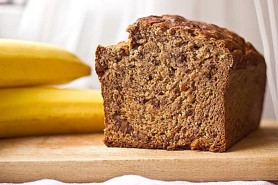 Banana bread without extra fat and sugar