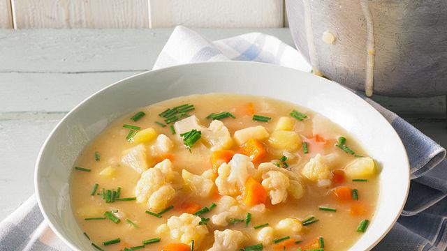 Omas Suppen und Eintöpfe wärmen uns an kalten Tagen