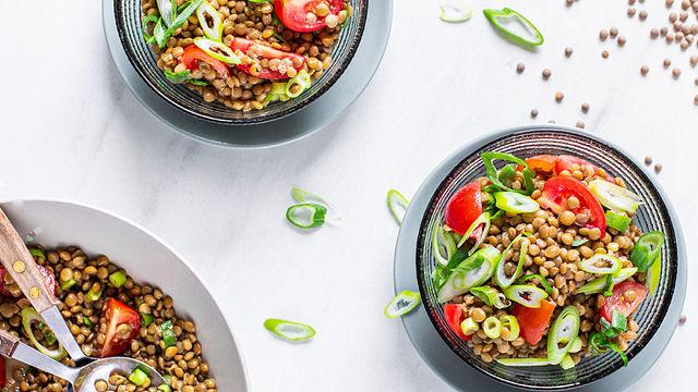 Schneller Linsen-Salat: Perfekt für die Mittagspause