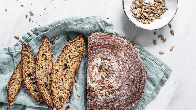 Low-Carb-Brot mit extra Protein aus Sonnenblumenkernen