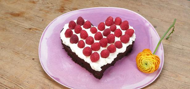 Brownieherz als Geschenk zum Geburtstag, Muttertag & Co | Chefkoch ...