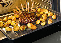 Kartoffel zubereiten im AEG Backofen