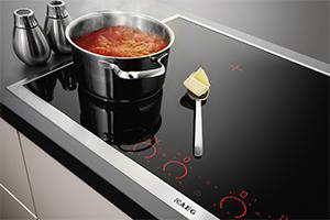 aeg gulasch kochen mit dampfgarer und induktion. Black Bedroom Furniture Sets. Home Design Ideas