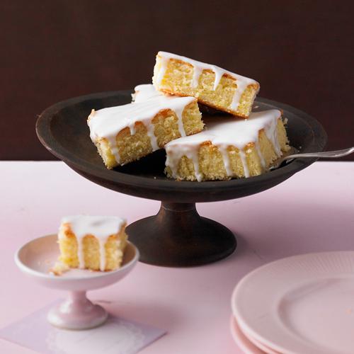 Saftiger Zitronenkuchen Rezept
