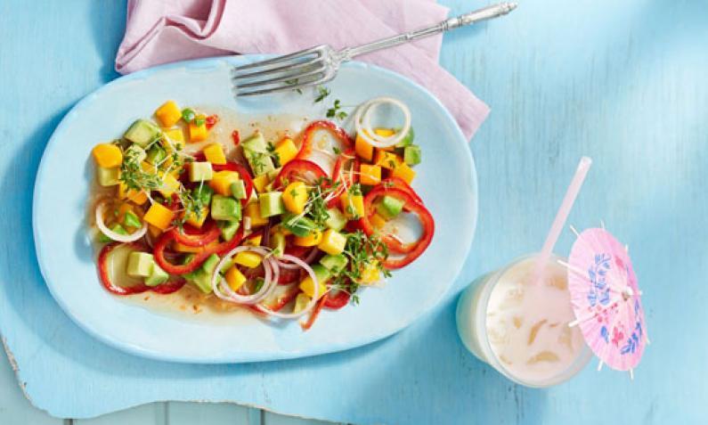 Sommersalat mit Mango und Avocado