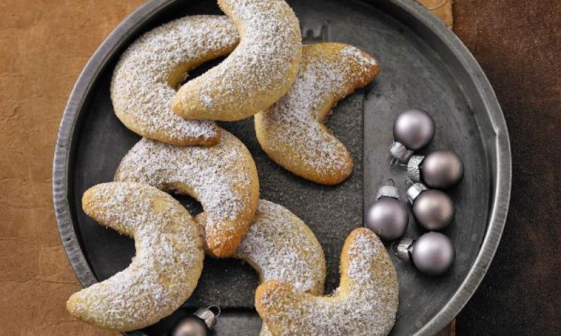 Vanillekipferl Weihnachtsplatzchen Aus Murbeteig Chefkoch De