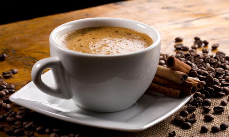 Kaffeemaschine: Filter-, Padmaschine oder Kaffeeautomat?