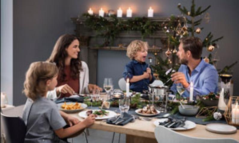 wmf zusammen ist man gl cklicher weihnachten mit wmf. Black Bedroom Furniture Sets. Home Design Ideas