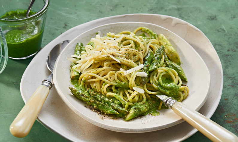 Bärlauchpesto mit Spaghetti und Spargel
