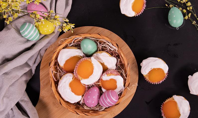 Süße Spiegelei-Muffins mit Aprikosen
