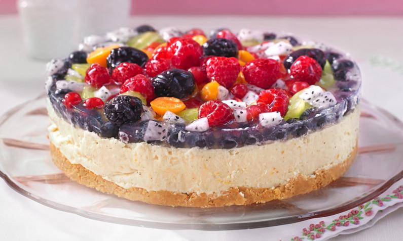 Sommer Torte mit Früchten