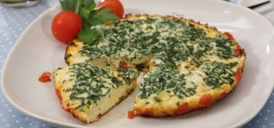 Tomaten-Omelette mit Rucola