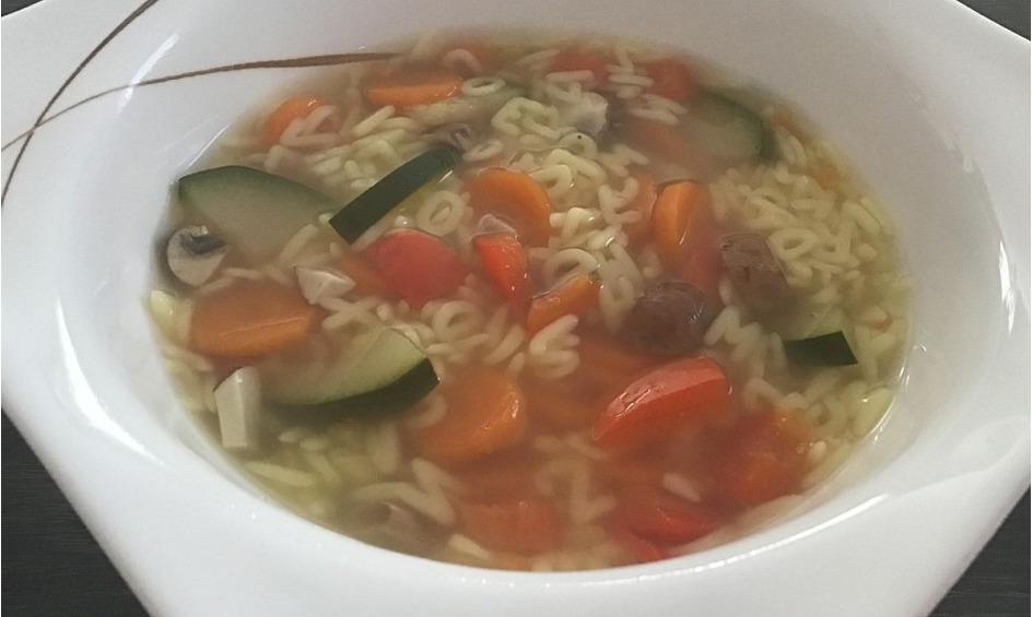 Rezept Buchstabensuppe mit frischem Gemüse