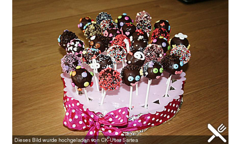 cake pops kleine kuchen mit sti e l. Black Bedroom Furniture Sets. Home Design Ideas