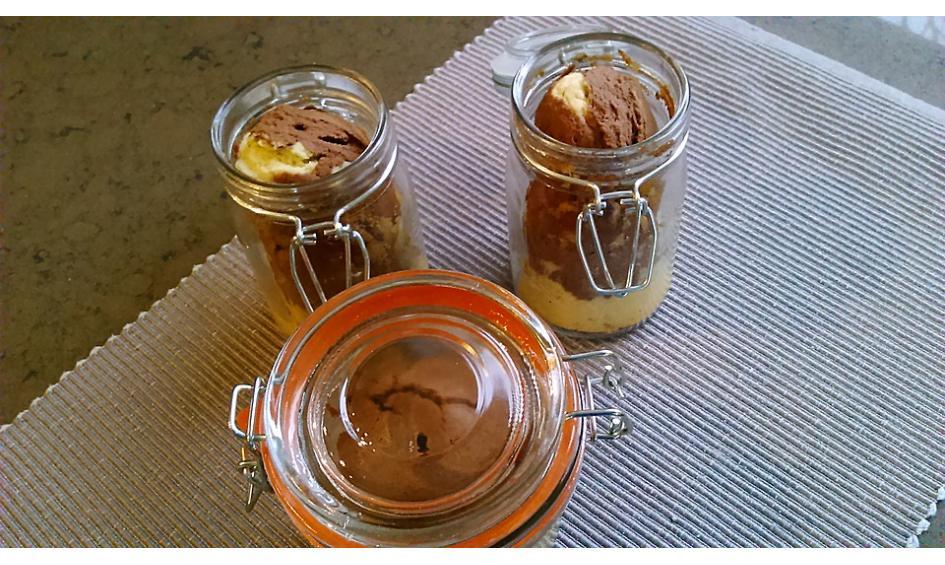 kuchen im glas minikuchen zum naschen verschenken. Black Bedroom Furniture Sets. Home Design Ideas