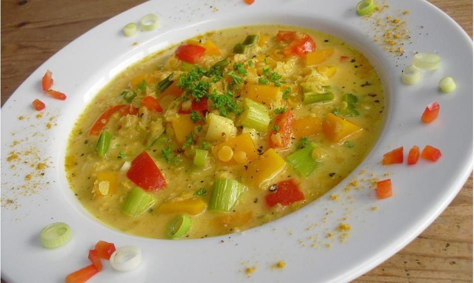 Rezept Kürbis-Kokos-Suppe mit roten Linsen
