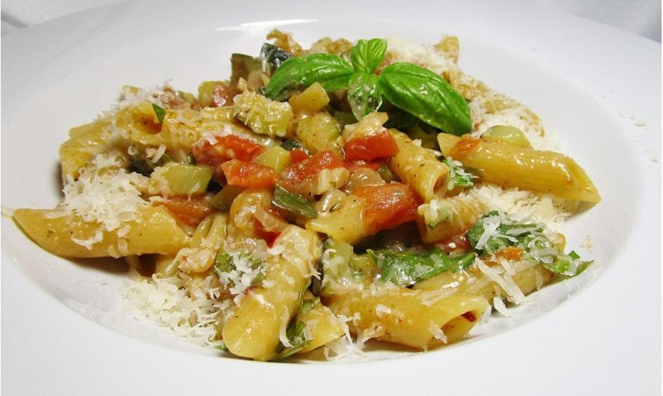 Rezept One Pot Pasta mit Zucchini, Tomaten und Parmesan