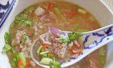 Thailändische Frühstücks- und Erkältungssuppe