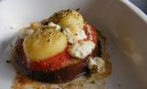 Überbackene Gnocchi auf Auberginen - Tomatenbett