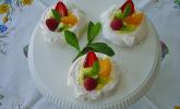 Meringe Früchtenester mit Lemon Curd