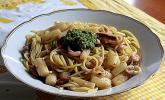 Spaghetti mit Spargel, Meeresfrüchten und Bärlauchpesto
