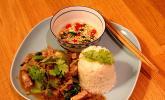 Muh Phad Gratiam Prik Thai