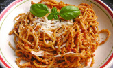 Spaghetti mit Tomaten - Pesto