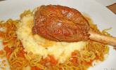 Lammhaxe im Vanillesud mit Pastinaken-Püree und frittierten Schalotten
