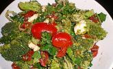 Mediterraner Brokkoli-Salat