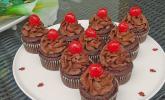 Chili-Schoko-Cupcakes mit Kirschfüllung