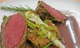Crepinette vom Bison mit Rotwein - Pfeffersauce und Semmel - Pilz - Knödel