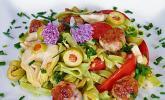 Nudelsalat mit Hackbällchen, Tomaten und Artischocken