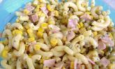 Leichter Nudelsalat mit Paprika und Champignons