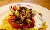 Gefüllte Paprika mit Joghurtsauce