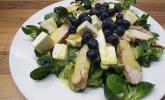Blattsalate mit Hähnchenstreifen und cremigem Heidelbeerdressing