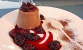 Schokoladen - Panna Cotta mit Portwein - Balsamico Kirschen