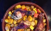 Kürbis, Kartoffeln und Hähnchenschenkel aus dem Backofen