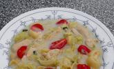Hühner-Kokos-Suppe mit Wirsing, Tomaten, Salbei und Safran