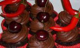 Chili Schoko Cupcakes mit Kirschfüllung