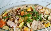 Schweinefleisch mit Koriander und frischer Ananas
