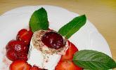 Gebackener Ziegenkäse an Erdbeersalat