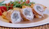 Schweineroulade mit Pilz-Käsefüllung und Baconhülle