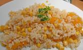 Frischer und kalter Reissalat
