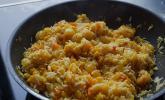 Exotische Reispfanne mit Ananas, Shrimps und Mangochutney