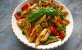 Nudelsalat mit Tomatensaftdressing