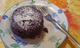 Nutella-Tassenkuchen mit Mandeln oder Nüssen