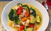 Fisch-Gemüsepfanne mit Kokosmilch low carb