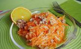 Möhren - Apfel - Salat mit Orangendressing und Walnüsse