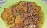 Geschmortes Rindfleisch mit Zucchini