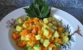 Knollensellerie-Karotten-Pfanne an Curry-Kokosmilch